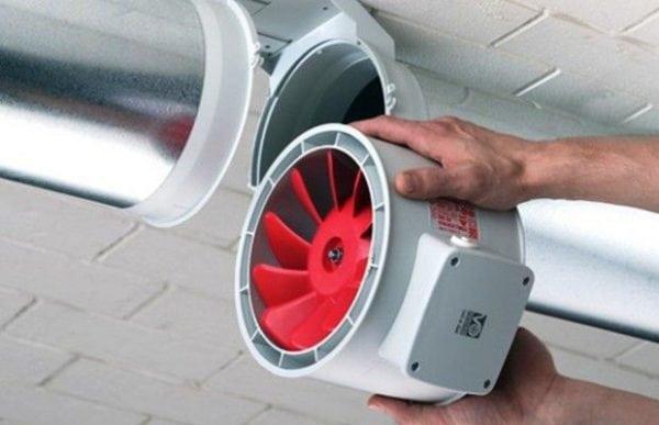 Вентилятор для вытяжки в гараже