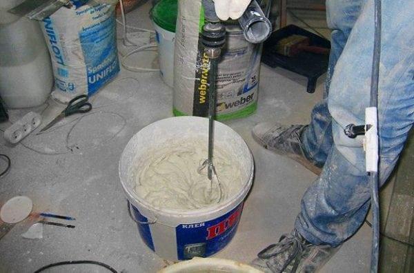 Приготовление шпаклевки для пола из ПВА