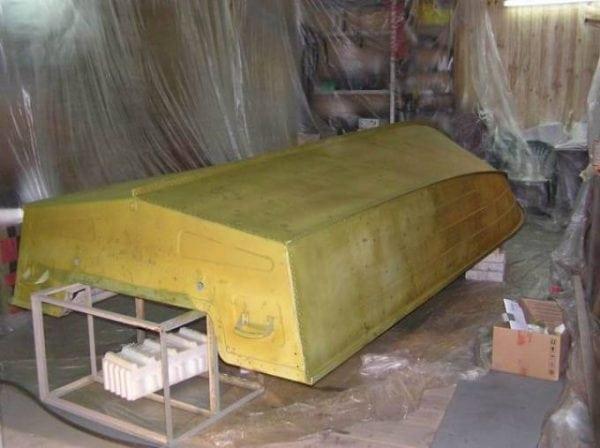 Корпус лодки покрытый грунтом ВЛ-02