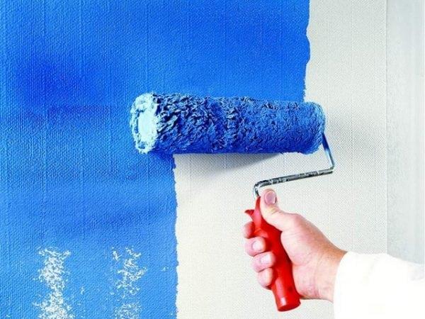 Нанесение краски на стеклохолст