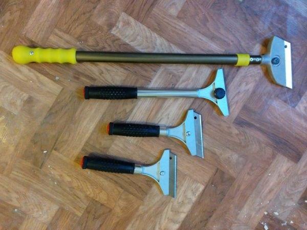 Ручные инсмтрументы для очистки потолка