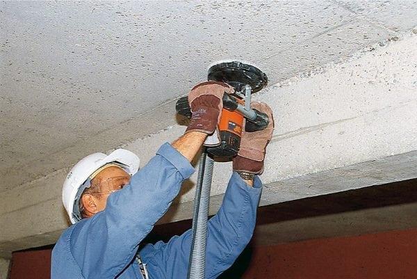 Очистка потолка шлифмашинкой