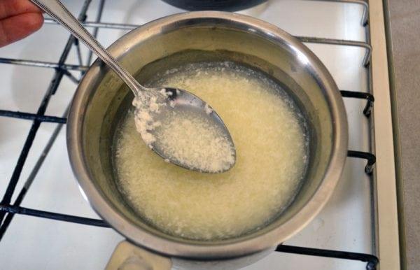 Приготовление казеинового клея в домашних условиях