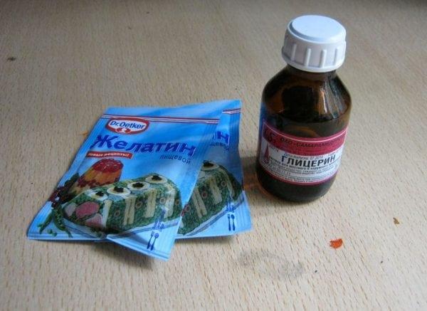 Для улучшения клеящих свойств клейстера в него добавляют желатин и глицерин