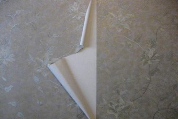 Как поклеить обои на масляную краску: подготовки и выполнения основных работ