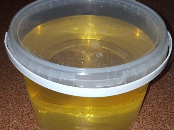 Эпоксидные смолы полимеризуются под воздействием отвердителя