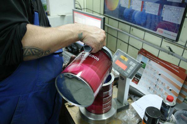 Колеровка красок для получения оттенков фиолетового цвета