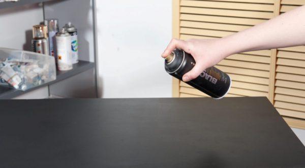 Аэрозольные лаки можно использовать для покрытия мебели
