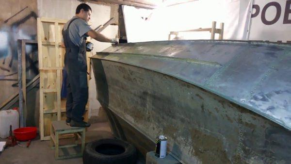 Подготовка лодки к покраске