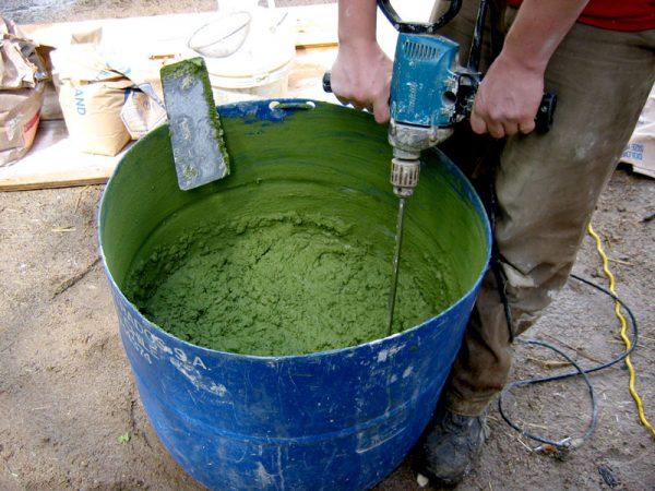Приготовление цветного бетонного раствора