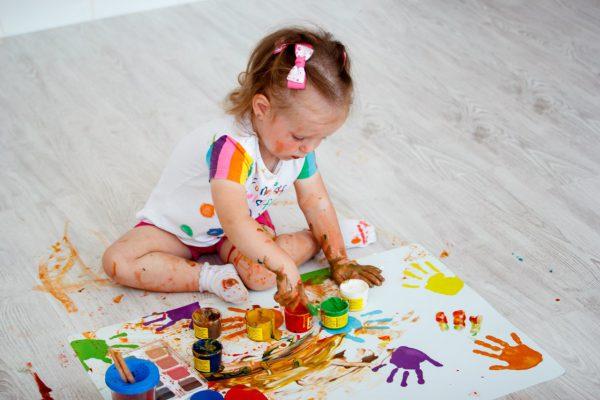 Развитие мелкой моторики у ребенка с помощью рисования пальчиковыми красками