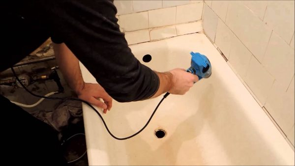 Перед покраской необходимо высушить чашу ванны