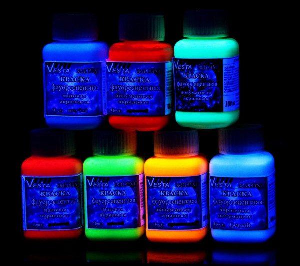 Флуоресцентные краски светятся в темноте