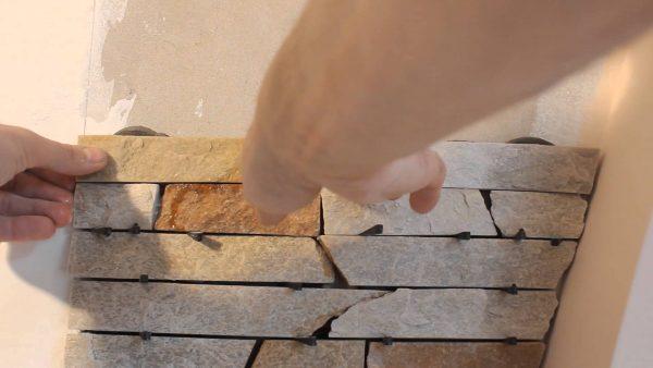 Эластичный клей не рекомендуется использовать для укладки натурального камня