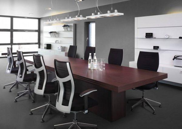 Стеклообои часто используются для отделки офисных помещений