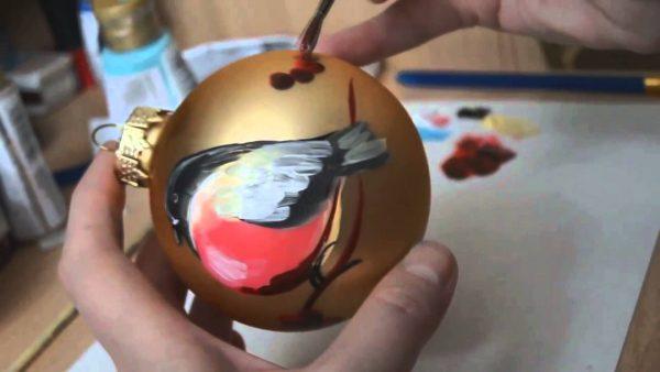 Роспись новогоднего шара