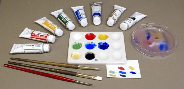 Для первых занятий будет достаточно основных цветов