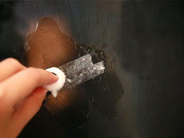 Как оттереть следы клейкой ленты