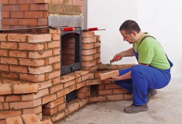 Термостойкий состав применяется при строительстве камина