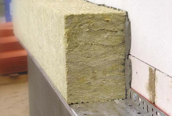 Для монтажа утеплителя требуется морозостойкий пластичный состав
