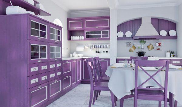 Лавандовая мебель на кухне