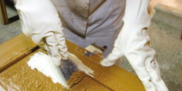 Смывка краски для деревянных поверхностей