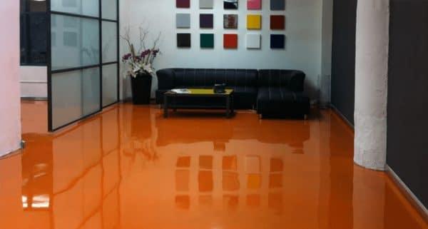 Наливной пол апельсинового оттенка