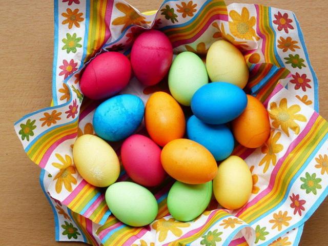 Как красить яйца на Пасху своими руками: обзор методик и ...