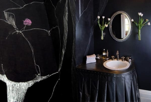 Ванная комната в готическом стиле