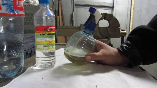 Антикоррозионная смазка в рычажном пульверизаторе
