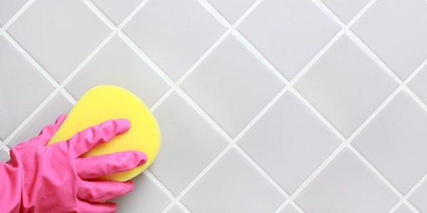 Чистка кафеля в ванной