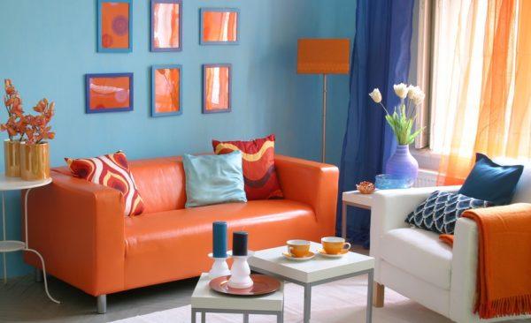 Голубой и оранжевый в интерьере