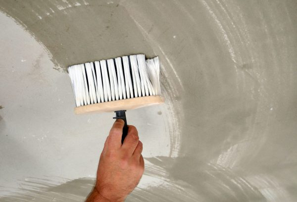 Некачественное грунтование поверхности