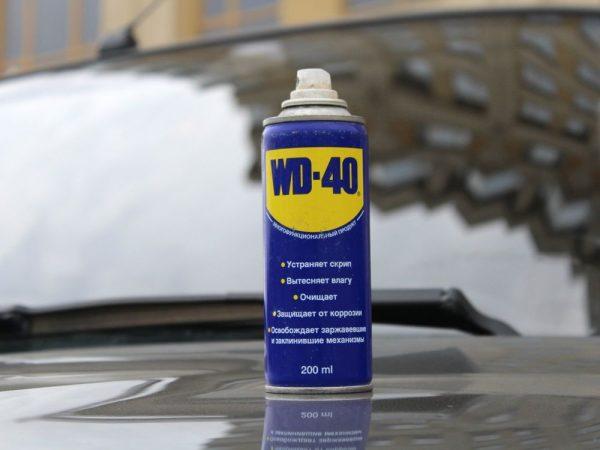 Очистка лобового стекла автомобиля