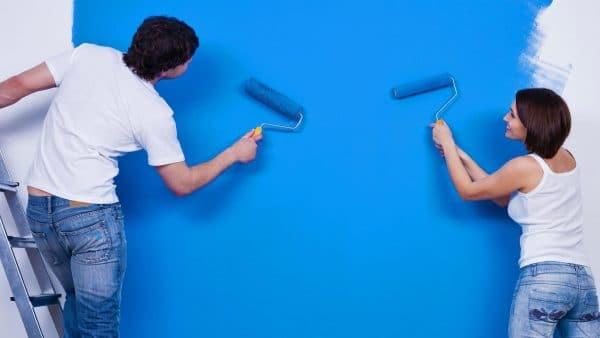 Покраска стен водоэмульсионным средством