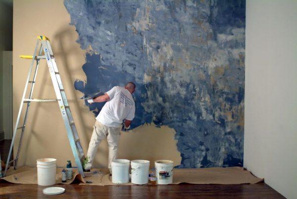 Покраска стен целлофаном