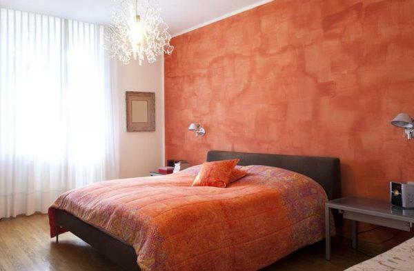 Спальня выполненная в оранжевом цвете