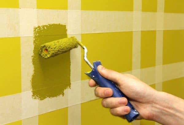 Полосатый декор стен
