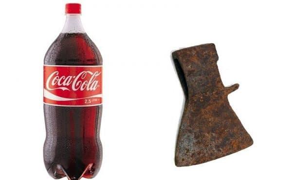 Кока-Кола и головка топора