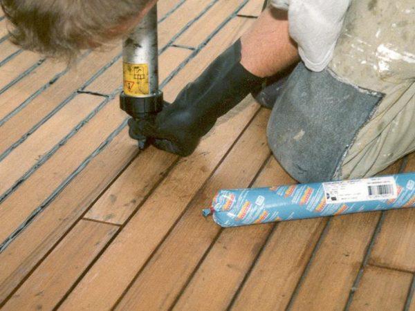 Средство Сикафлекс подходит для заполнения водонепроницаемых швов