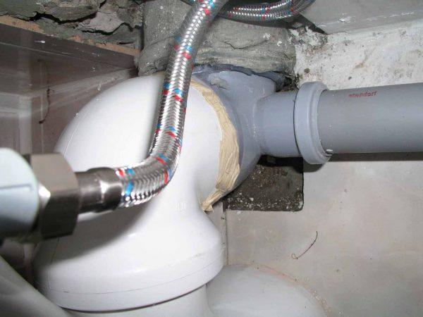 Уплотнительные швы при соединение канализации