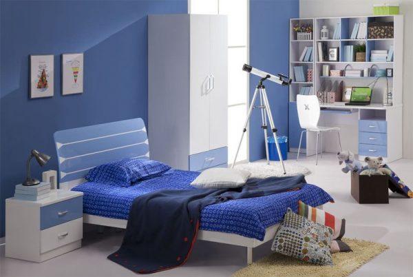 Детская комната с дизайном в синих тонах