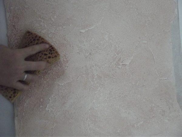 Фактурная штукатурка губкой