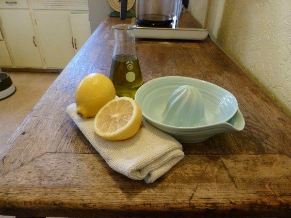 Изготовление полироли из лимона и растительного масла