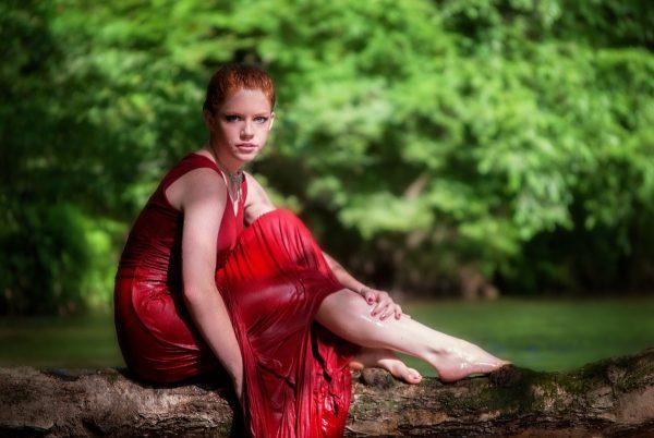 Красные тона обычно выбирают вспыльчивые, страстные и немного самовлюбленные натуры