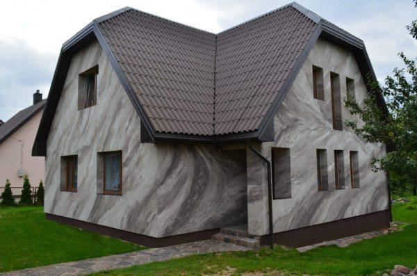 Отделка фасада коттеджа гибким камнем
