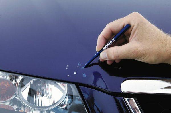 Подкраска небольших дефектов ЛКП специальным карандашом