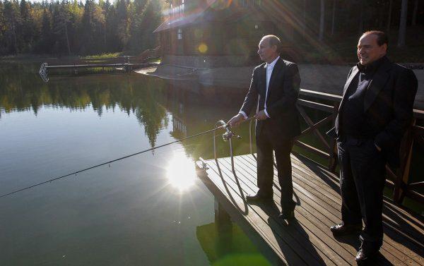 Путин и Берлусконе в резиденции на Валдае