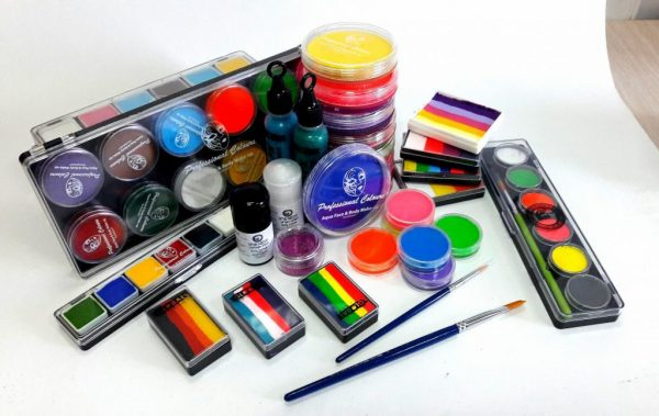 Разновидности красок для аквагрима