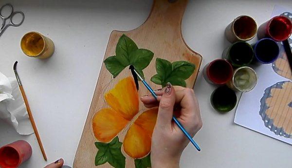 Роспись дерева гуашью